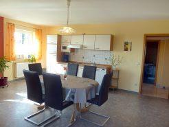 Küche und Esszimmer im Ferienhaus am Brombachsee